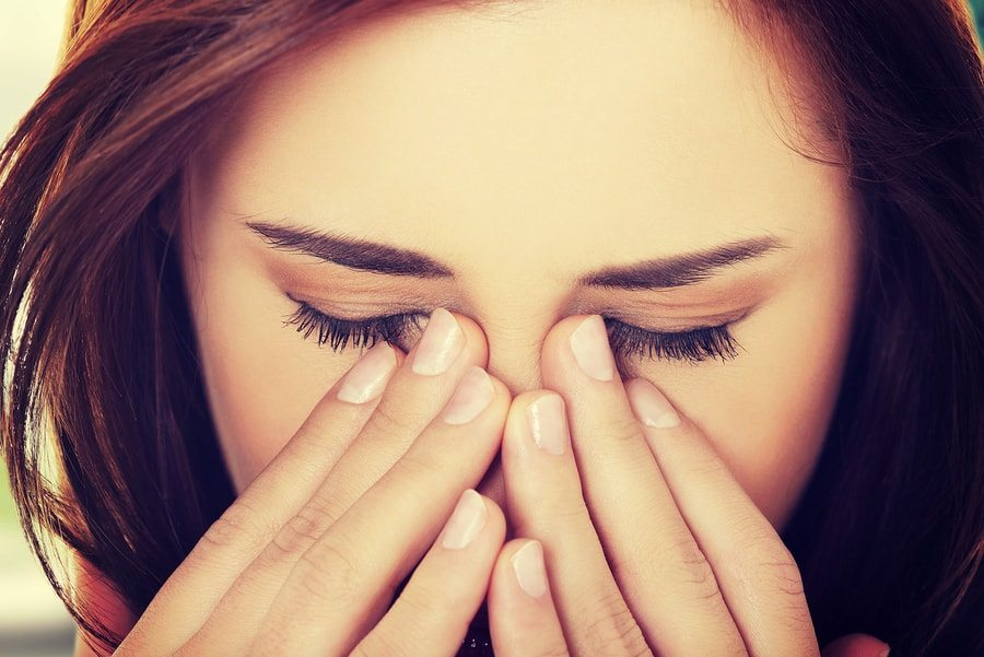 13 Essential Oils For Sinus Infection (Congestion Relief)
