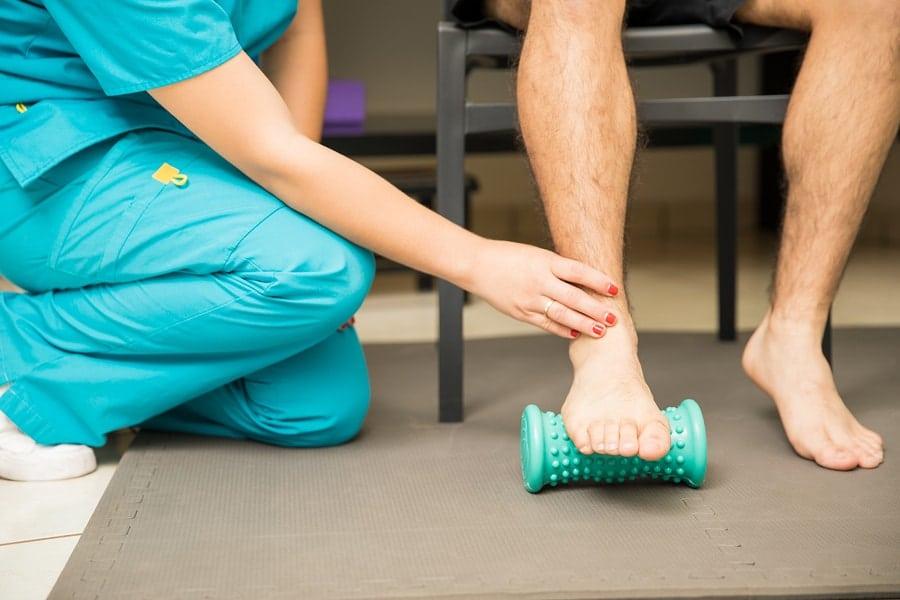 9 Essential Oils For Plantar Fasciitis (Heel & Foot Pain)