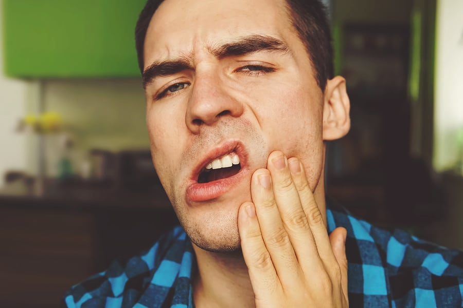 13 Essential Oils for TMJ (Natural Cures for TMJ Pain)